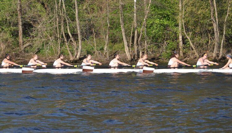 Women_s_Rowing_Varsity_Eight_0690.jpg