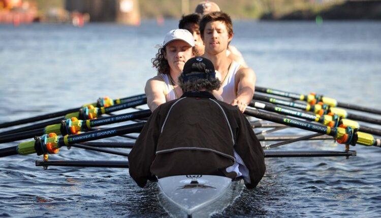 Men_s_Rowing_Team_1073.jpg