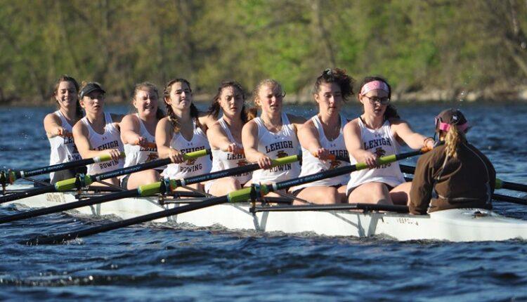 Women_s_Rowing_Varsity_Eight_1254.jpg