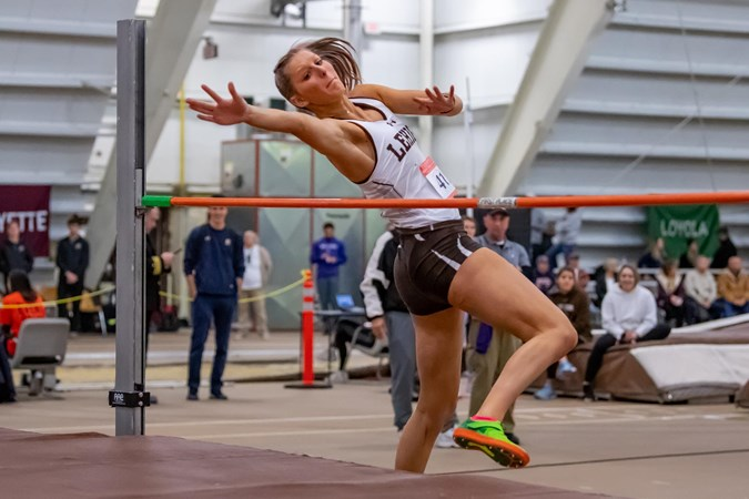 Women's Track and Field begins its season on Sunday inside Rauch