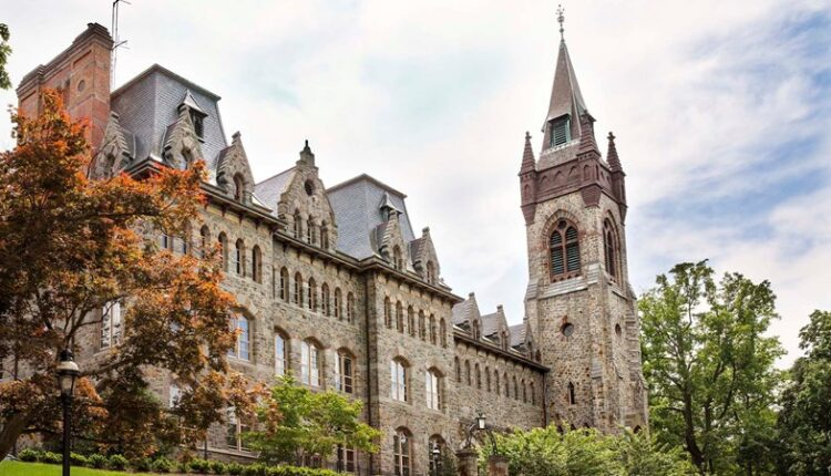 UniversityCenter001.jpg