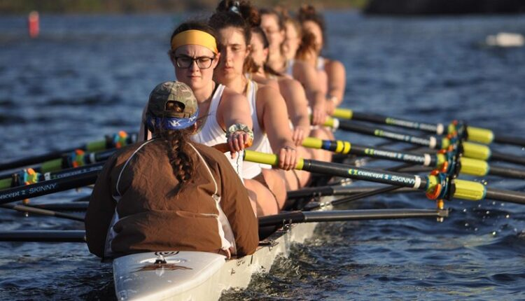 Women_s_Rowing_Varsity_Eight_1185.jpg