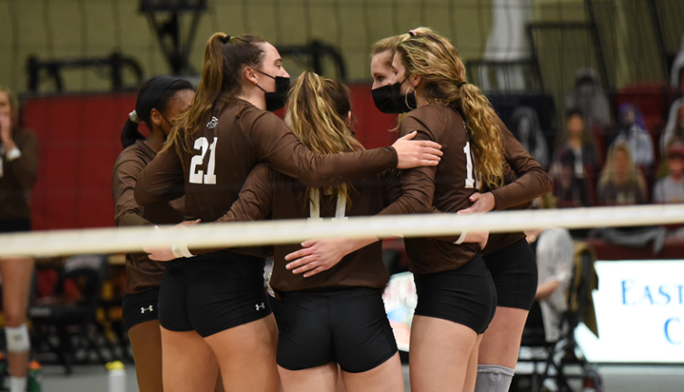 Volleyball_Huddle.png