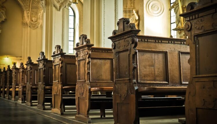 wood-building-old-religion-church-cathedral-582952-pxhere.com_.jpg