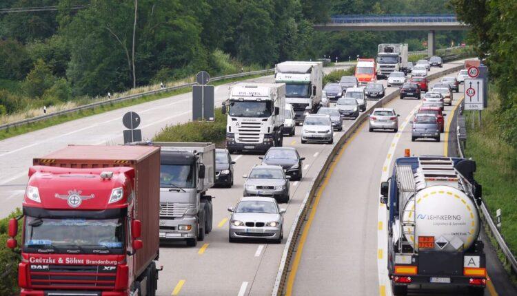 road-traffic-highway-transport-truck-vehicle-642010-pxhere.com_.jpg