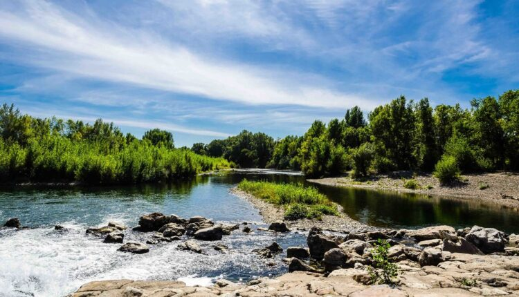free-body-of-water-natural-landscape-water-resources-river-nature-1576317-pxhere.com_.jpg